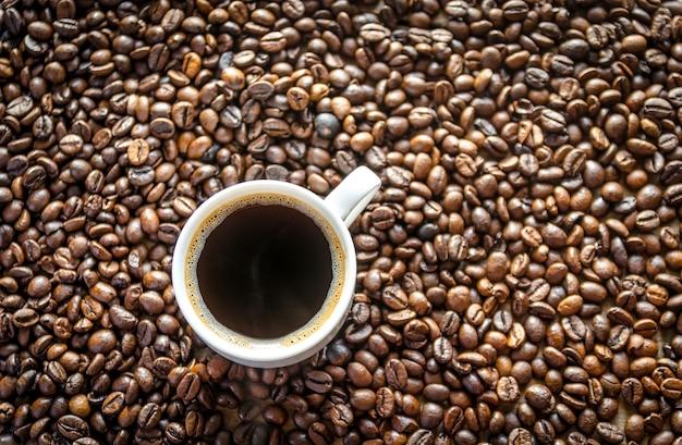 Trzy etapy przygotowania kawy