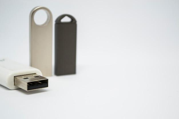 Trzy karty flash na białym tle inny projekt karty flash