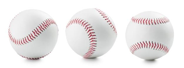 Trzy piłki baseballowej na białym