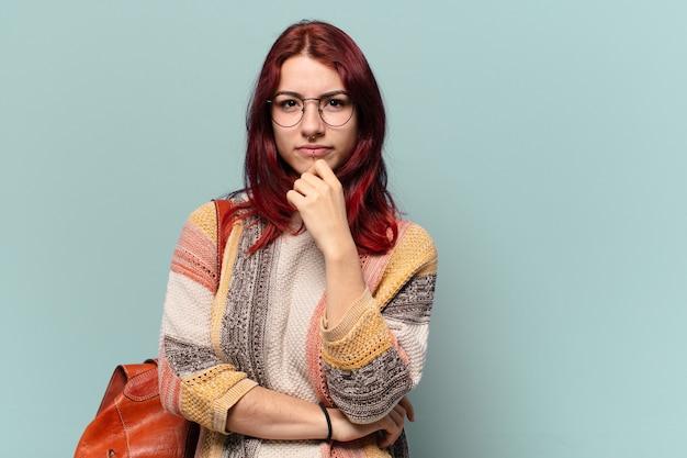 Tty hipis studentka kobieta z miejsca na kopię