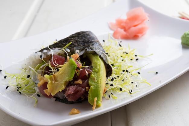 Tuńczyk temaki