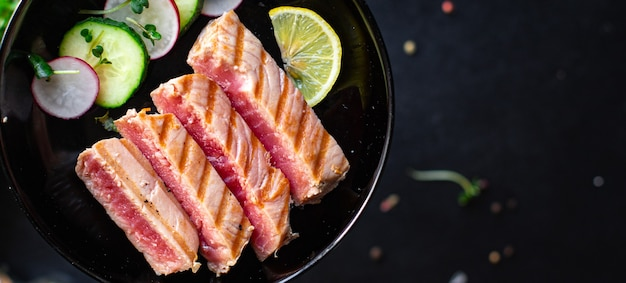 Tuńczyk z grilla owoce morza smażony grill z grilla ryby grill zdrowe odżywianie