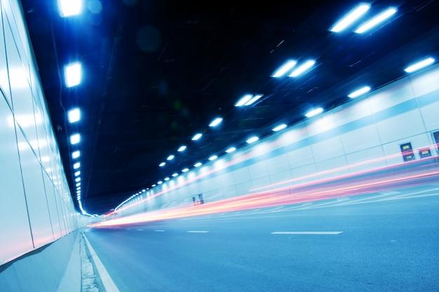 Tunele i samochód