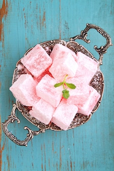 Turecka rozkosz, lukum w cukrze pudrem