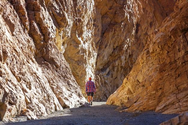 Turysta w kanionie