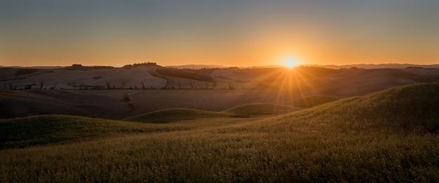 Tuscany panorama włochy zachód słońca