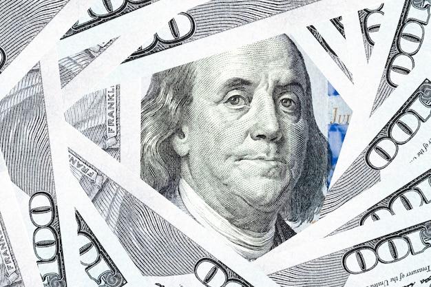 Twarz benjamina franklina na banknocie dolara amerykańskiego.