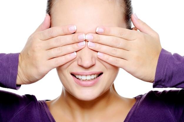 Twarz młodej kobiety ukryć oczy