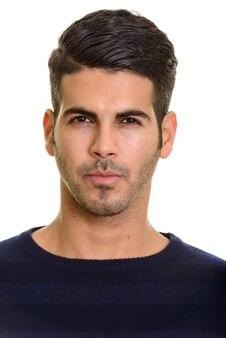 Twarz młody przystojny mężczyzna perski patrząc na kamery