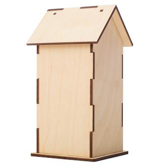 Tył domu. piękne pudełko na herbatę w kształcie domku
