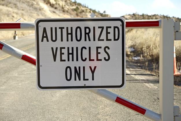 Tylko autoryzowane pojazdy