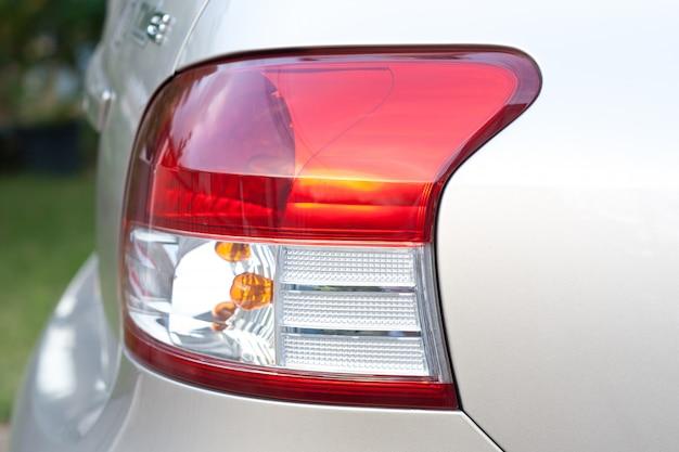 Tylne światło w samochodzie
