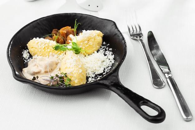 Typowa ukraińska potrawa z polenty