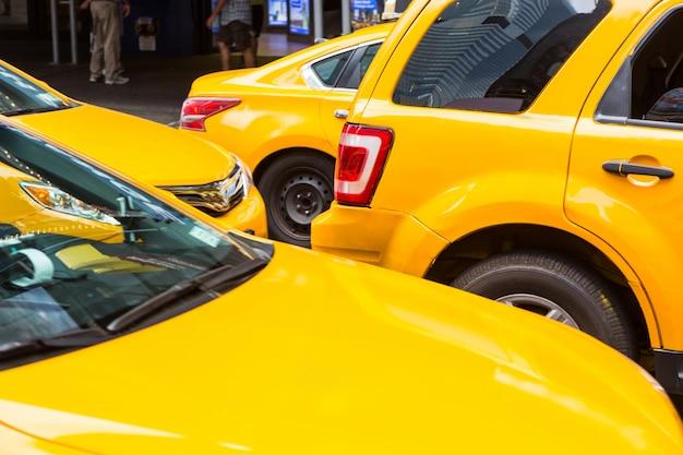 Typowe żółte taksówki w nowym jorku