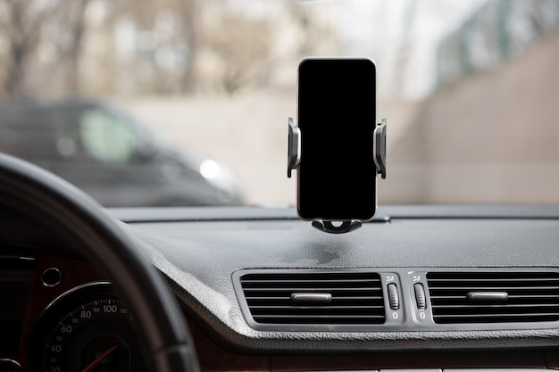 Uchwyt samochodowy na inteligentny telefon