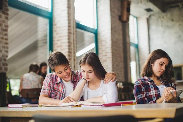 Uczniowie oddzielali się podczas nauki