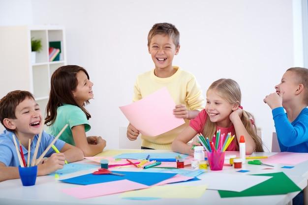Uczniowie zabawę