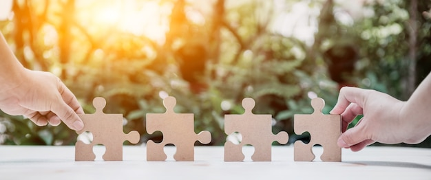 Udana koncepcja i cel. rozwój i doskonalenie biznesu. puzzle i układanka.
