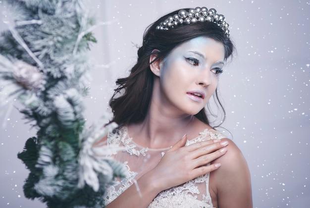 Ujęcie pięknej królowej lodu