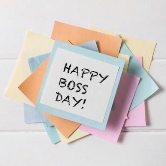 Układ dnia szefa z widokiem z góry z karteczkami samoprzylepnymi