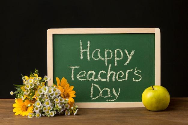 Układ elementów dnia nauczyciela