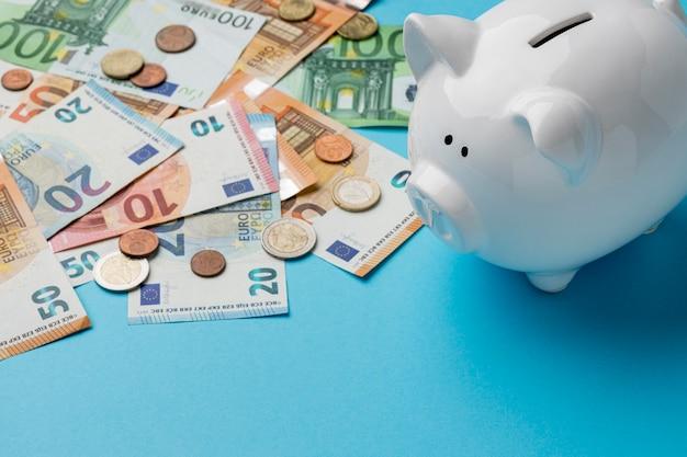 Układ elementów finansowych pod dużym kątem