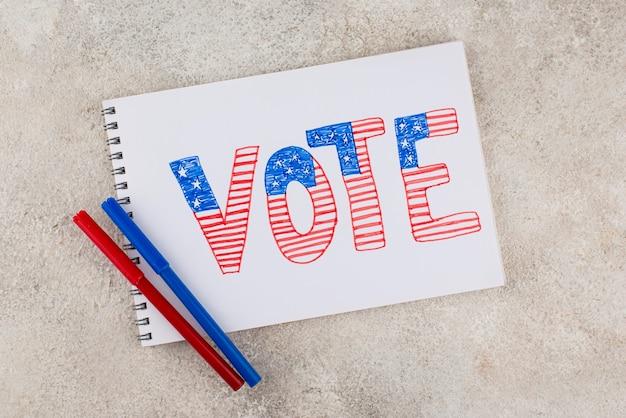 Układ głosowania w stylu papierowym z widokiem z góry