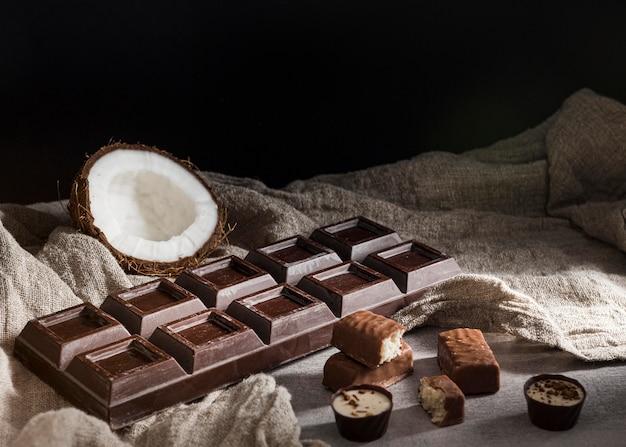 Układ kątowy słodyczy czekoladowych
