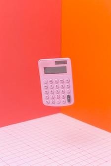 Układ matematyki z pływającym kalkulatorem