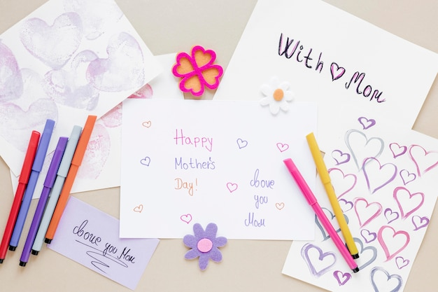 Układ płaski z kartką z życzeniami