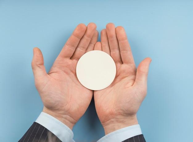 Układ pustej okrągłej karty