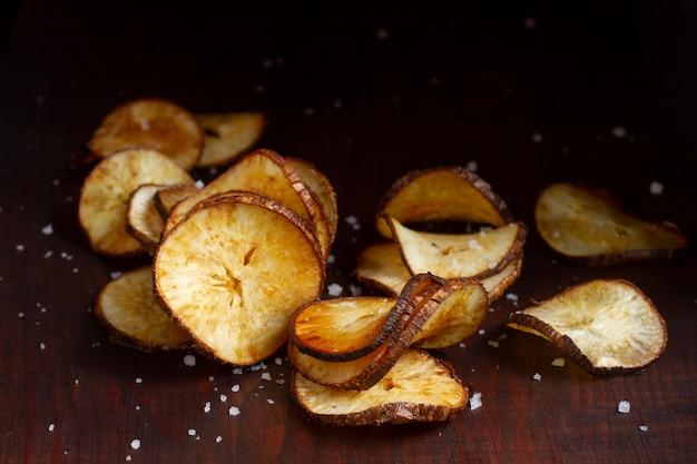 Układ pysznych chipsów z manioku