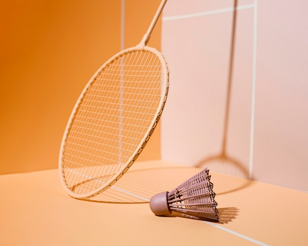 Układ rakiet do badmintona i lotek