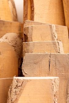 Układ różnych elementów drewnianych