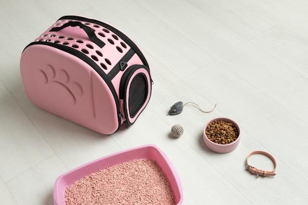 Układ różowej torby dla zwierząt
