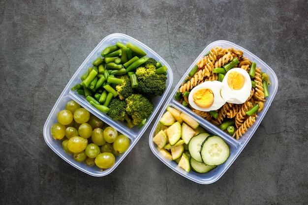 Układ smacznych gotowanych posiłków