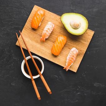 Układ sushi mix widok z góry