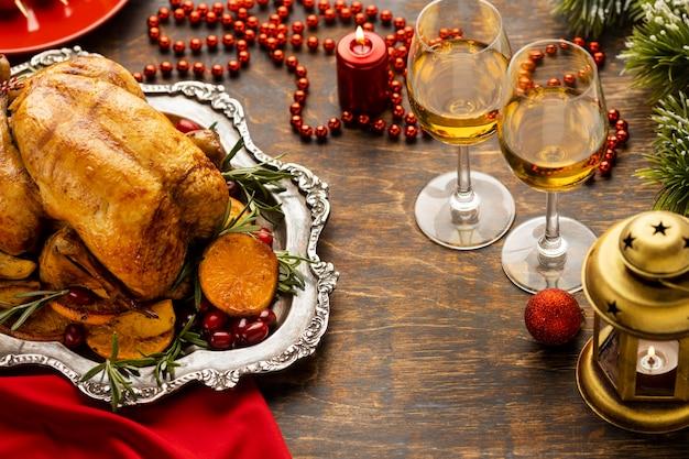 Układ świąteczny posiłek pod dużym kątem
