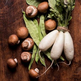 Układ świeżych warzyw widok z góry
