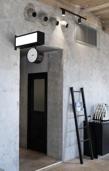 Układ w stylu loftu we wnętrzu w ciemnych kolorach