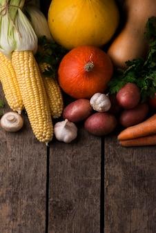 Układ warzyw jesień pod dużym kątem z miejsca na kopię