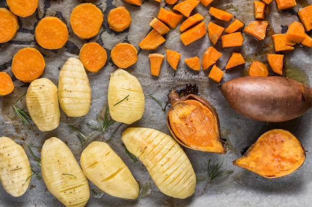 Układ widok z góry ze słodkimi ziemniakami