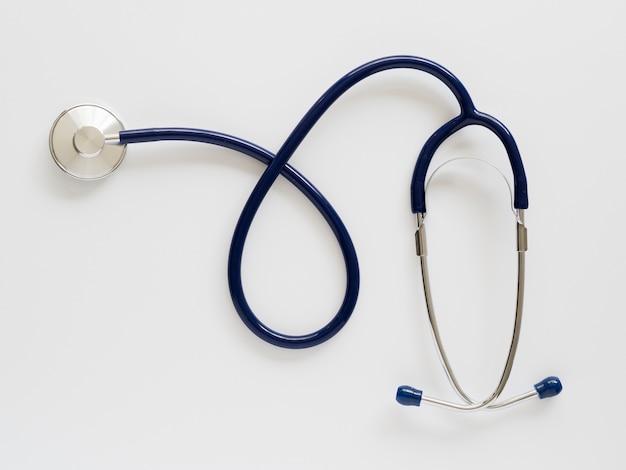 Układ widok z góry ze stetoskopem