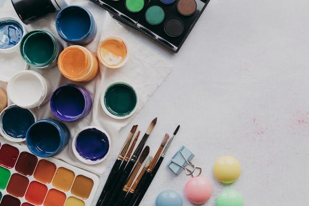 Układ widoku z góry z farbą