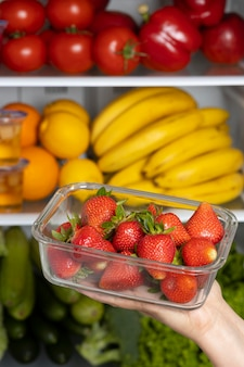 Układ zdrowej żywności w lodówce