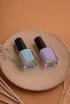 Układanie produktów do paznokci pod wysokim kątem