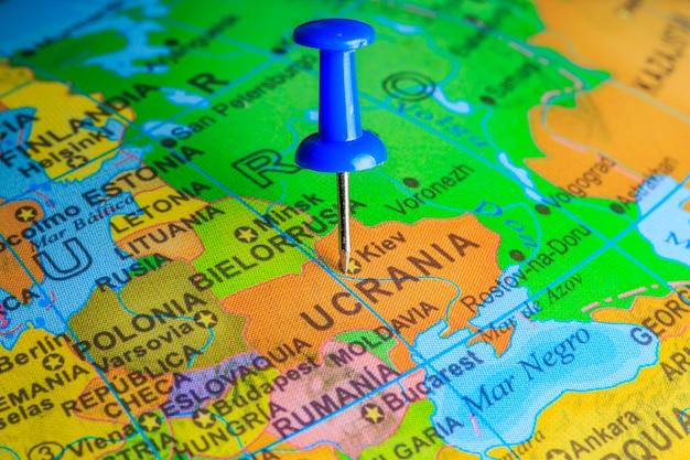 Ukraiński przypięte na mapie europy