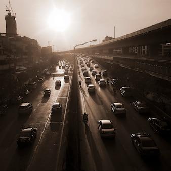 Ulica w mieście w bangkoku