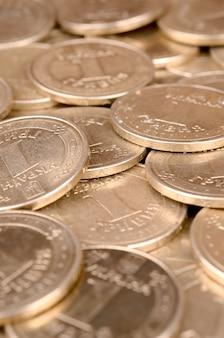 Ułożone złote monety