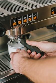 Uprawa barista warzenia kawy
